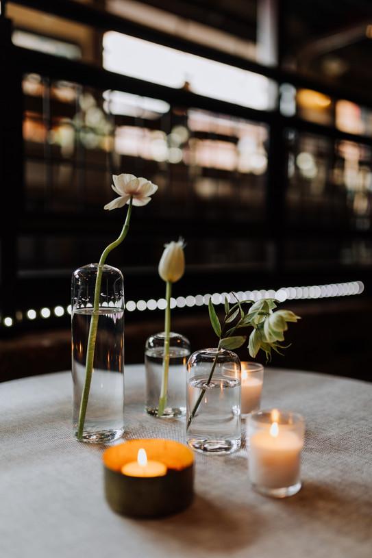 samara_floral_atlanta_wedding_design_bridesmaids_organic_natural_wedding_flowers_modern_bride_bridal_party_bouquets_reception_bud_vases
