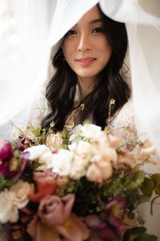 samara_floral_wedding_flowers_bride_groom_couple_bouquet_biltmore_ballrooms_beautiful_romantic_modern_romance_bride