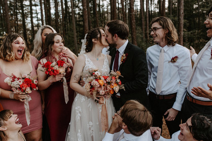annie_trace_warm_earthy_modern_florals_bohemian_orange_pink_kiss_bride_groom_love_atlanta_wedding_flowers_florist_organic