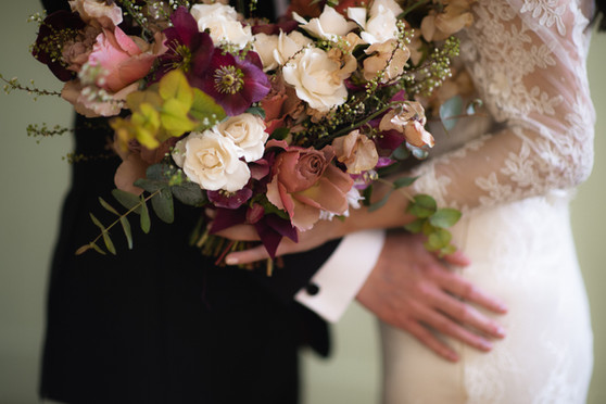 samara_floral_wedding_flowers_bride_groom_couple_bouquet_biltmore_ballrooms_beautiful_romantic_modern_romance_bridal_bouquet