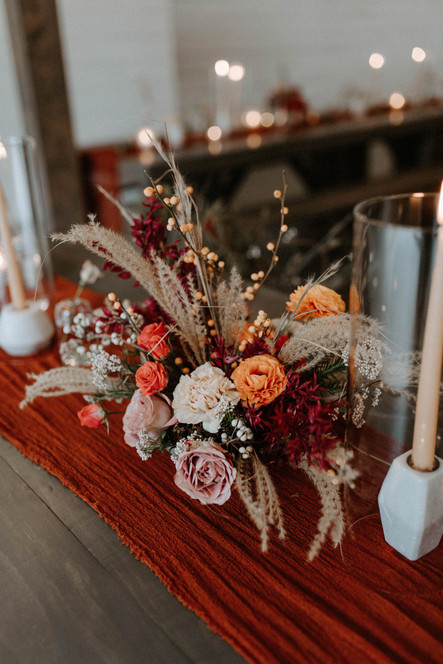 sweetheart_table_arrangement_taper_candles_modern_organic_florals_atlanta_wedding_florist