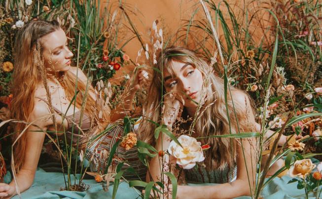 samara_floral_summer_flowers_photoshoot_garden_roses_grasses_wild_free_friends_sisters_picnic_orange_rust_zinnias_marigold_strawflower