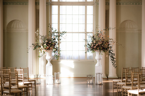 samara_floral_wedding_flowers_bride_groom_couple_bouquet_biltmore_ballrooms_beautiful_romantic_modern_romance
