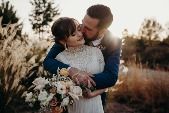 samara_floral_wedding_florist_atlanta_bride_organic_nature_wild_natural_bride_groom_love_couple_bouquet