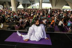Yoga com Swami Parantej