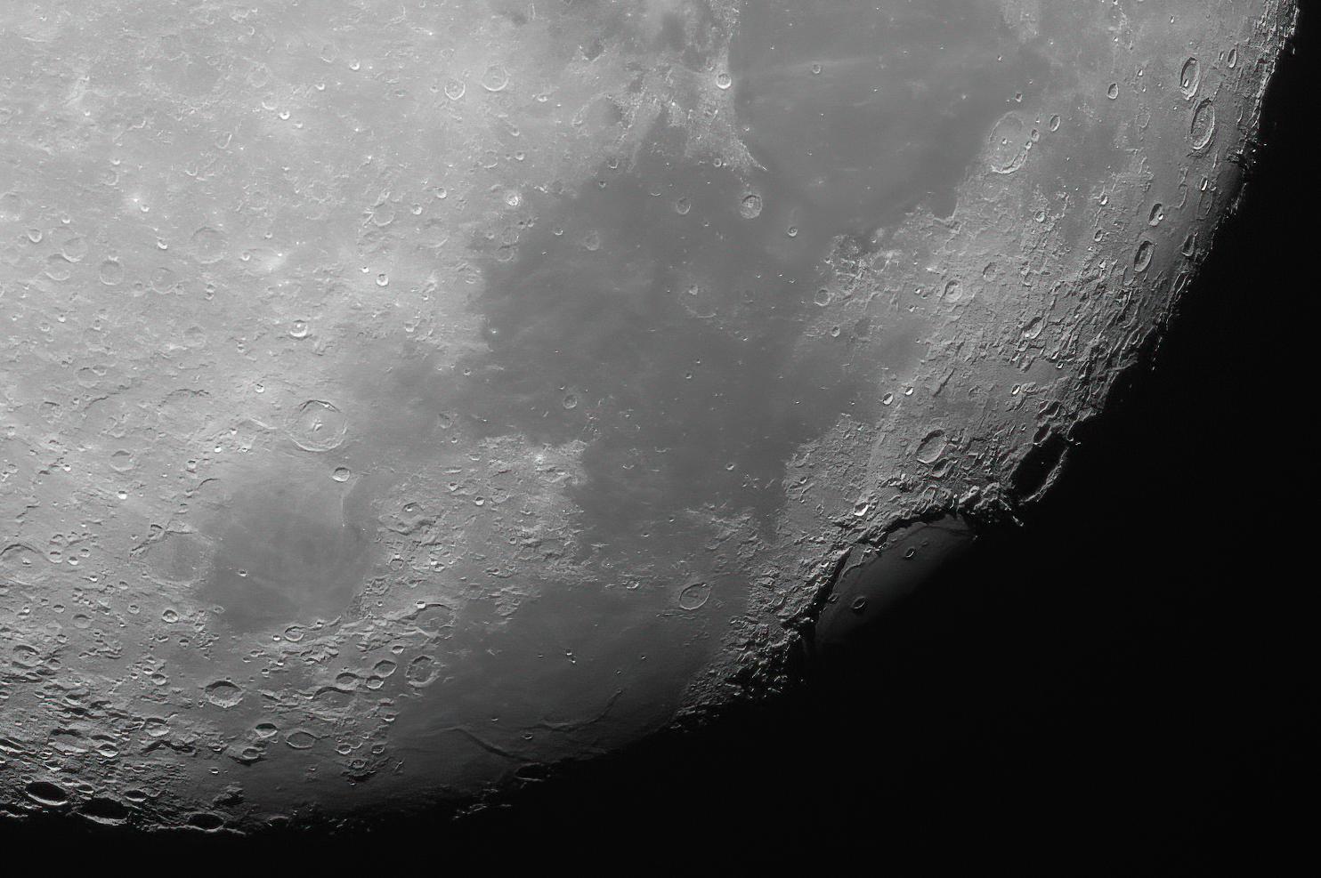 Crisium_crater_moon