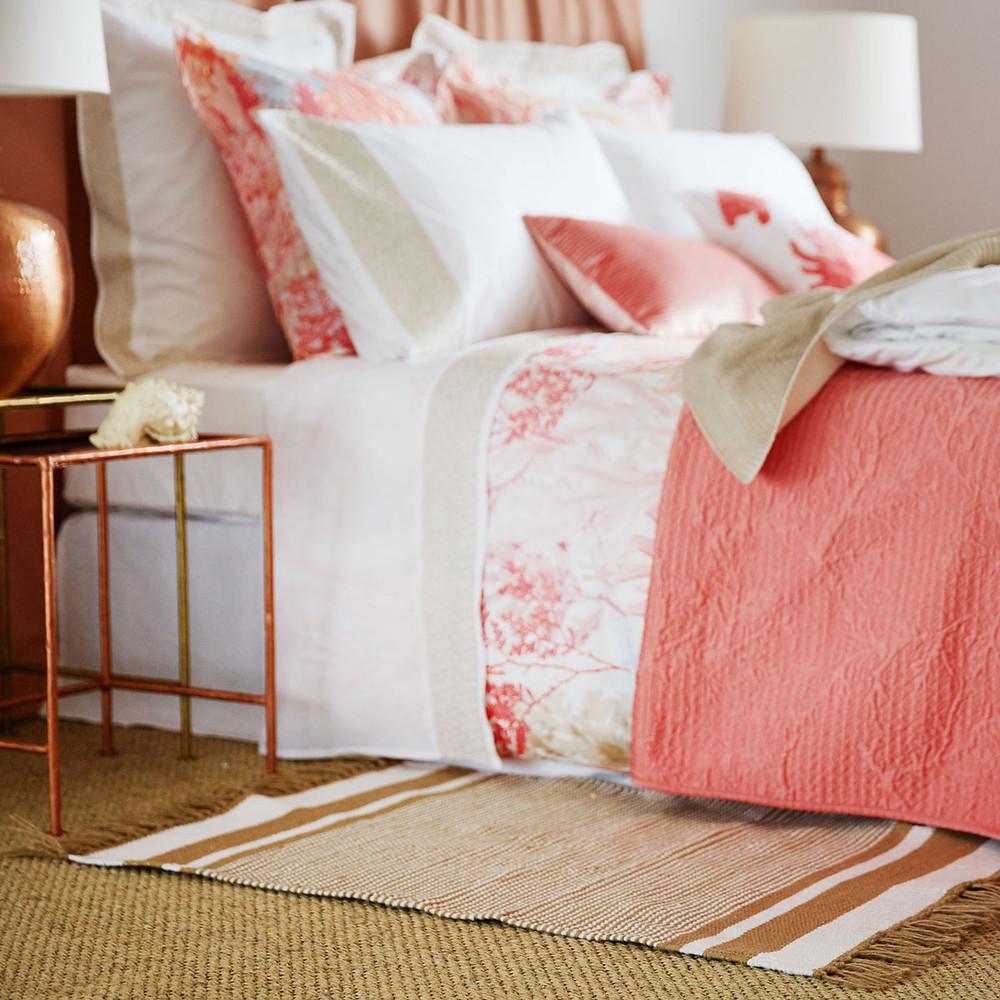 Combina tejidos y colores frescos bajo tus pies _Fityourhouse