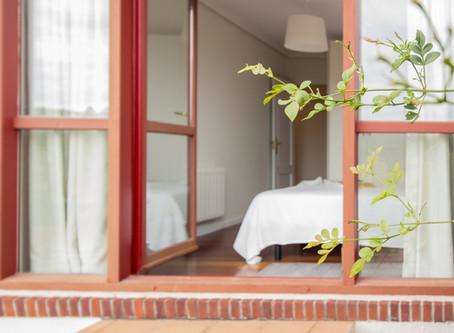 Decoración y Home Staging para un apartamento turístico en Comillas