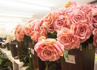 Como usar flores artificiais na decoração