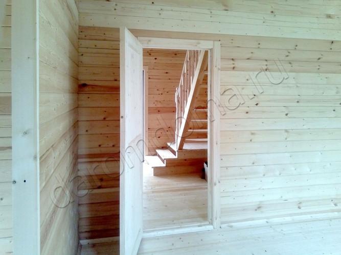 dom-iz-brusa-6x9-v-poltora-etazha-interi