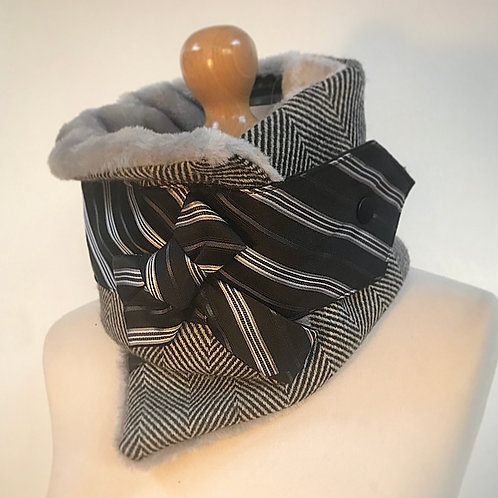 Grey wool neckwarmer