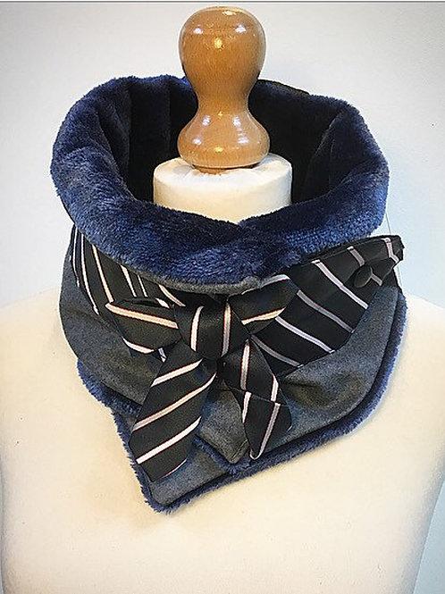 Blue neckwarmer