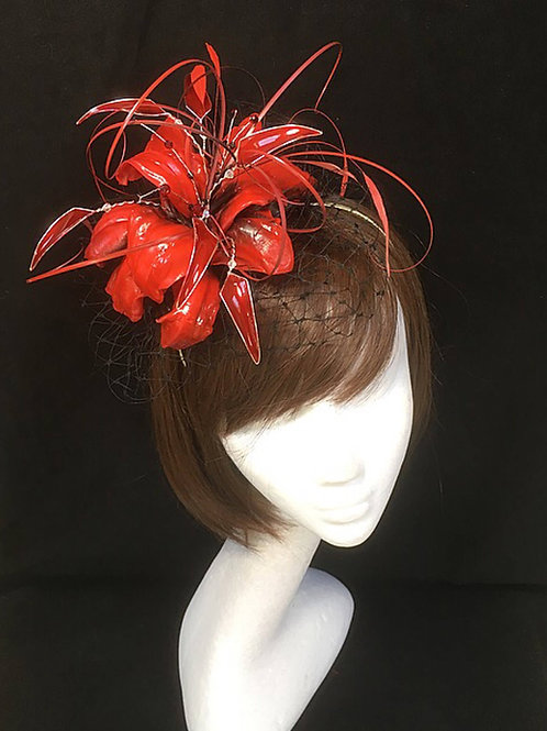 Red fascinator 59