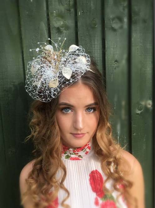 Silver and gold fascinator 75