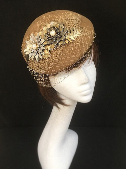 Beige fascinator FH12