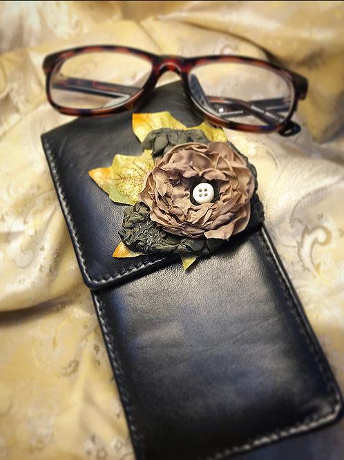 Leather vintage glasses case