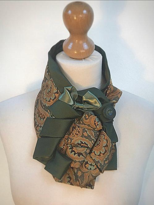 Green gold cravat