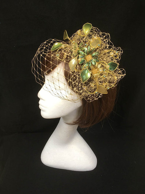 Green and gold fascinator