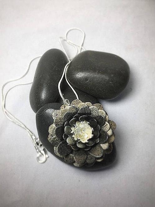 Bronze gold flower necklace