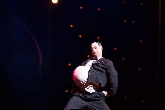 Alberti in Cirque du Soleil's Dralion.