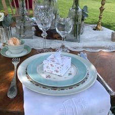 DETAILS TABLE VINTAGE EN AMOUREUX.JPG