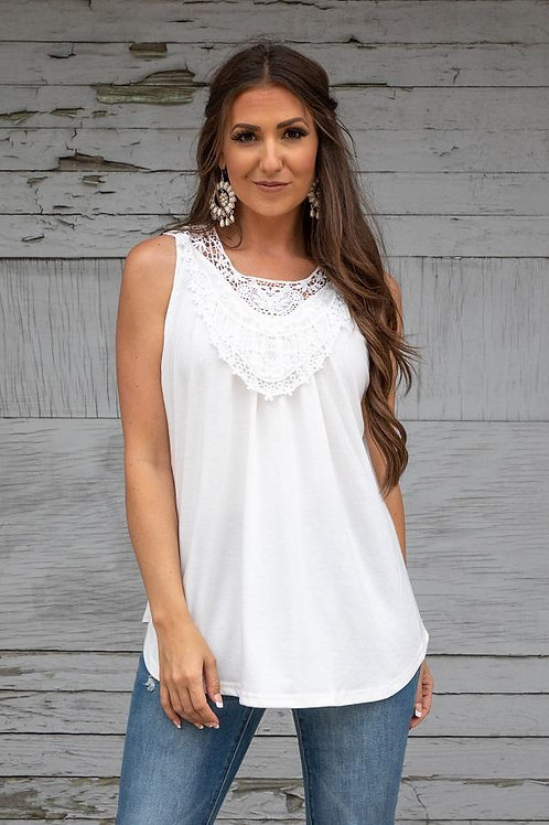 L&B SLEEVELESS IVORY KNIT TOP WITH CROCHET FRONT