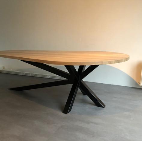 Ovale eiken tafel - Particulier