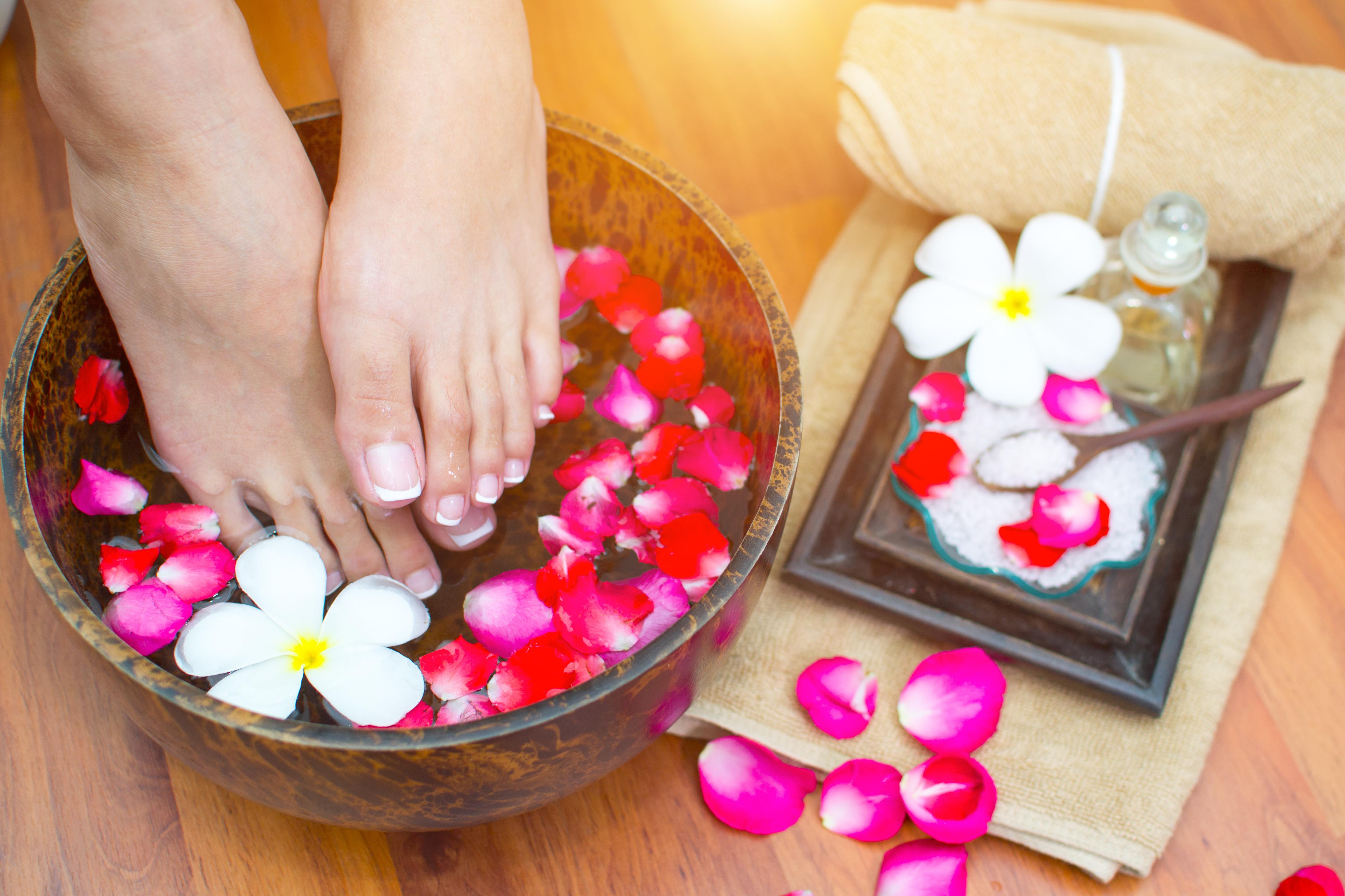 Signature Massage Peppermint Foot Scrub
