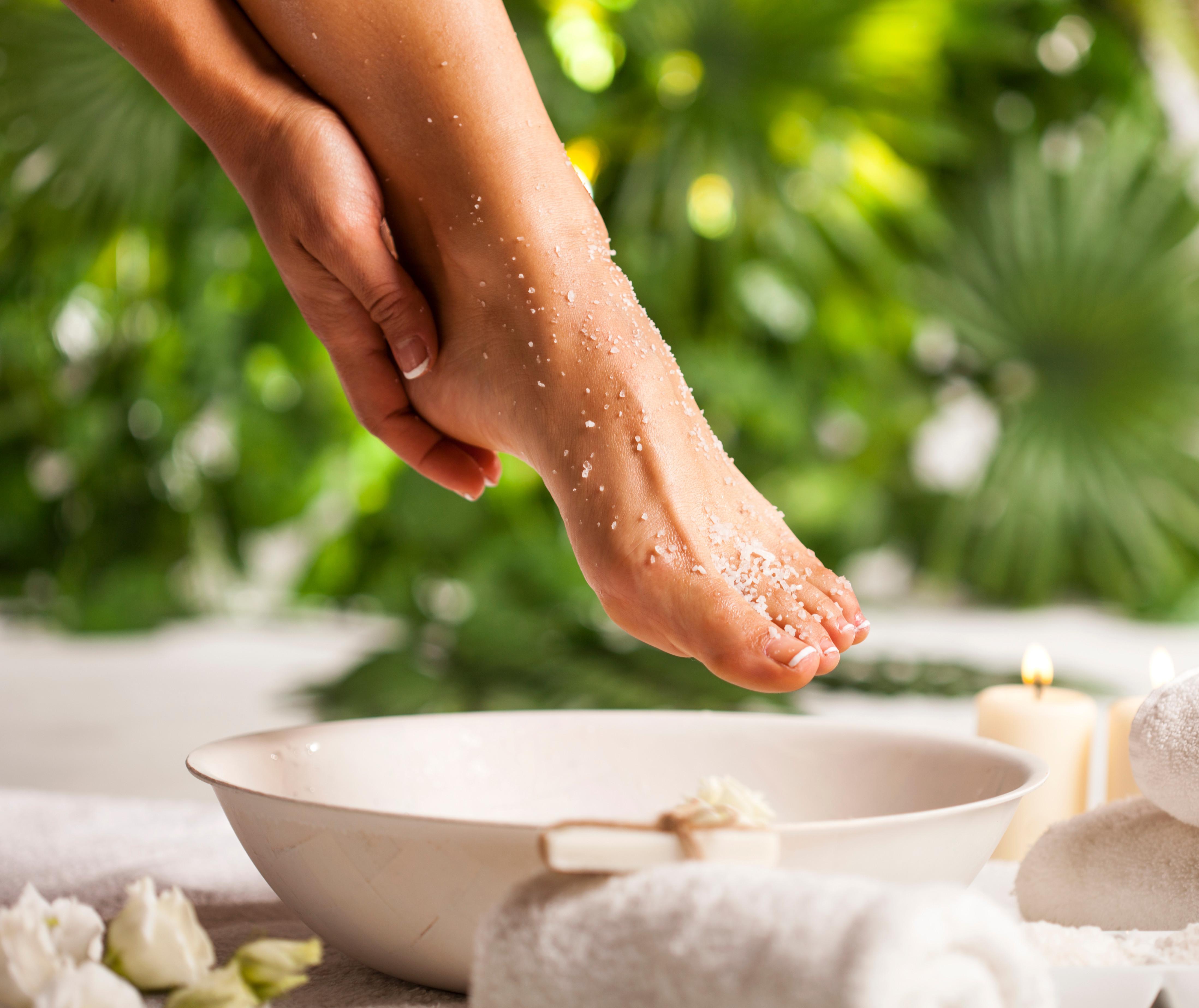 Exfoliating Peppermint Foot Scrub