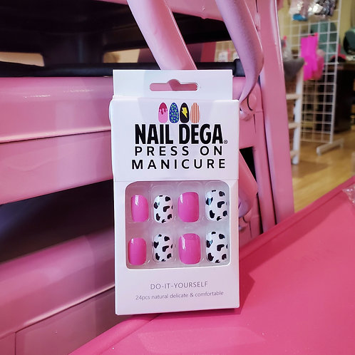 Pink Cow Press On Manicure