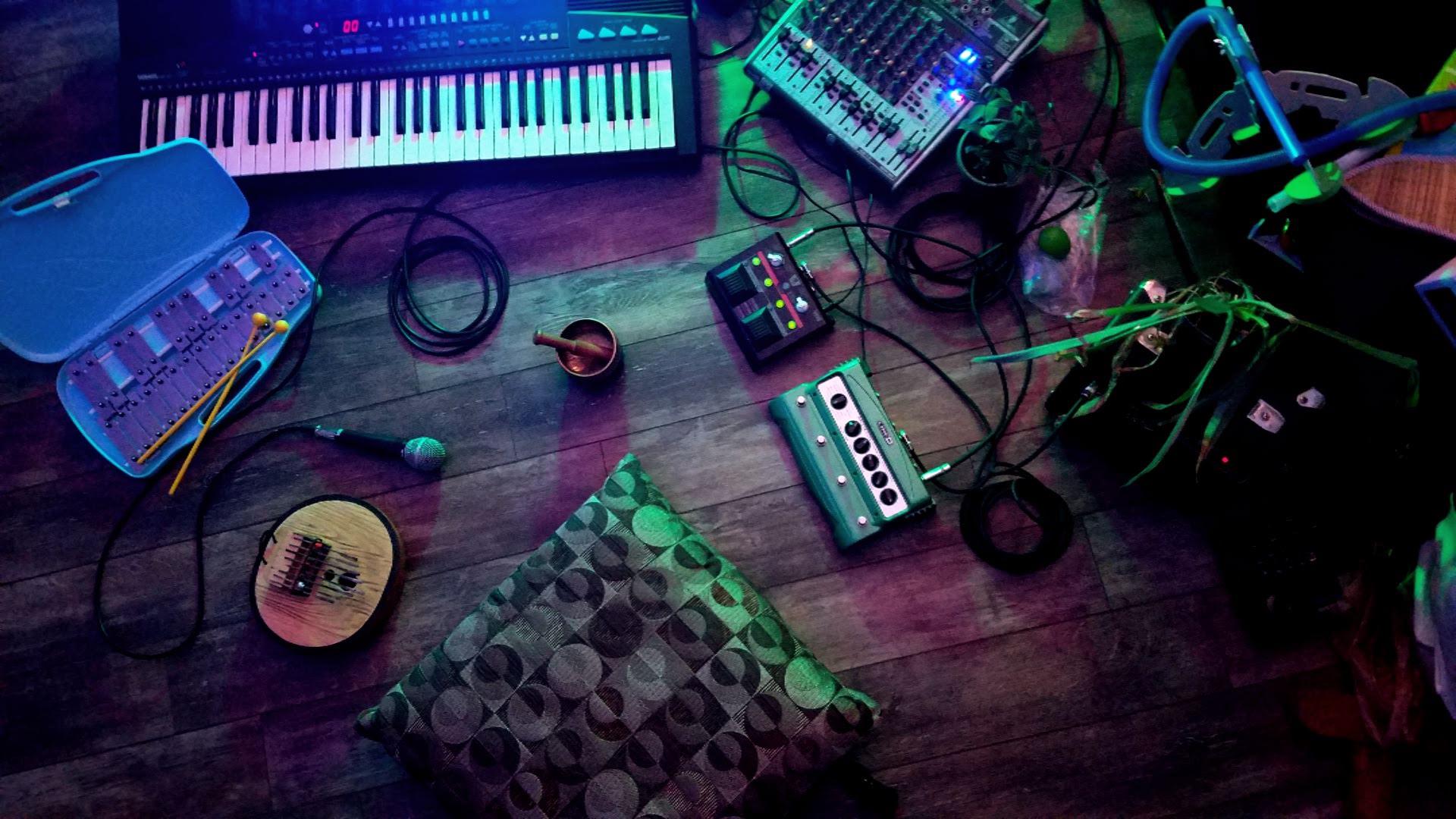 Ritual 21-music set-up_2.jpg