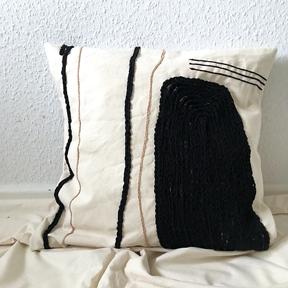 quika embroidery pillow case - NACHT