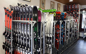 Skis whole stock 2019.jpg
