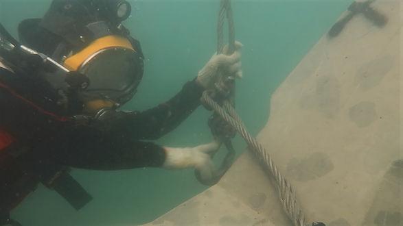 3 underwater construction works.jpg
