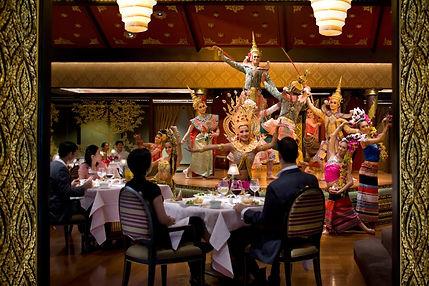 bangkok-restaurant-sala-rim-naam-dancers