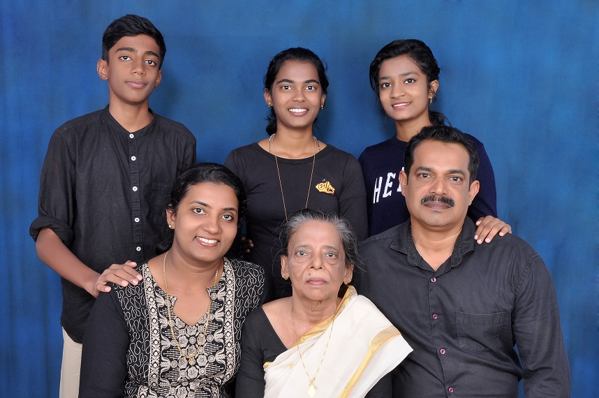 Joshi Antony Rosy Antony family.jpg