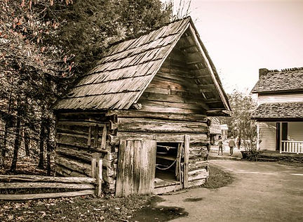 old well hourse and home.jpg