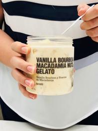 Gelato Vainilla Bourbon & Nueces Macadamia by Ferretti