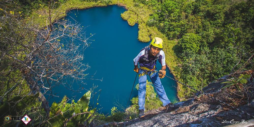 Rapel en Cenote del Cocodrilo Dorado