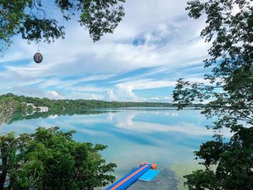 Laguna de Bacalar, poblado de Xul-ha