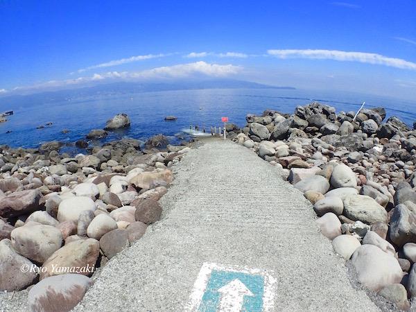 初島スノーケリング入口