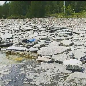 Dyers Bay, flat rocks, water