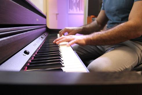הקלטת פסנתר _ ש.ב.ע מוסיקה _ אולפן הקלטו