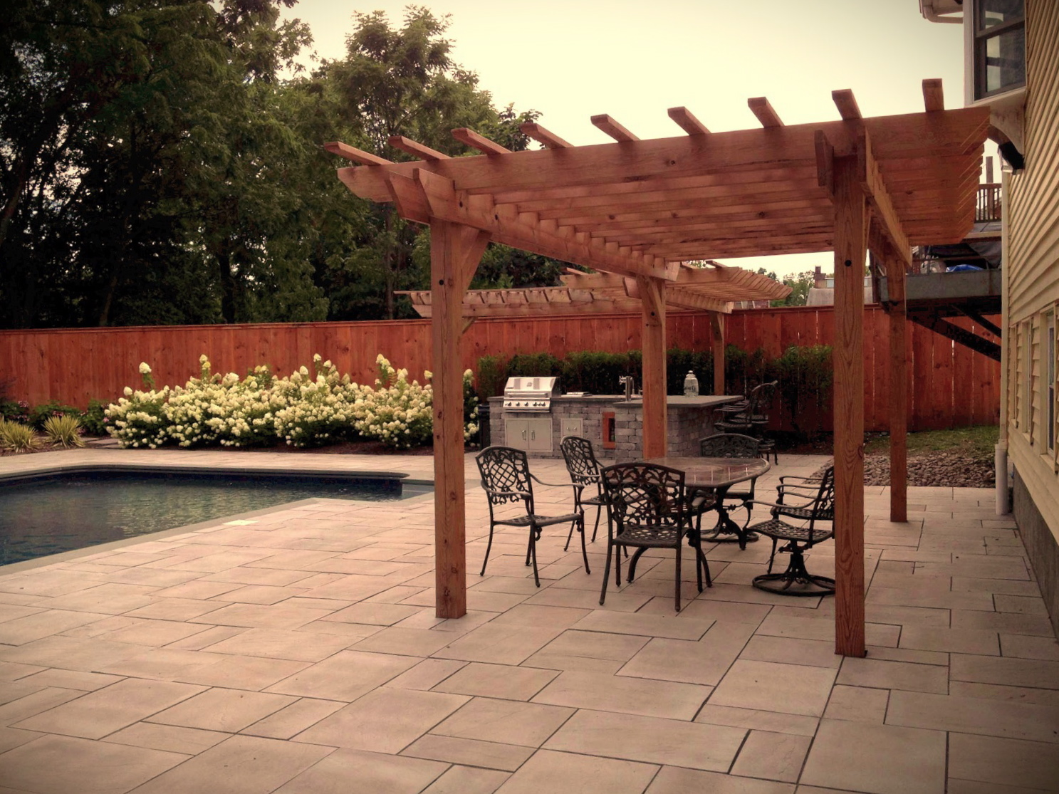 Pergola • Privacy fence