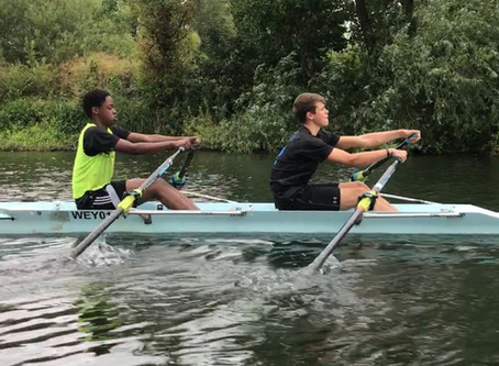 Schools rowing at Weybridge