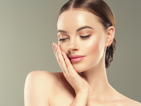 Tap Don't Rub!! How You Should Be Applying Your Skincare Products.