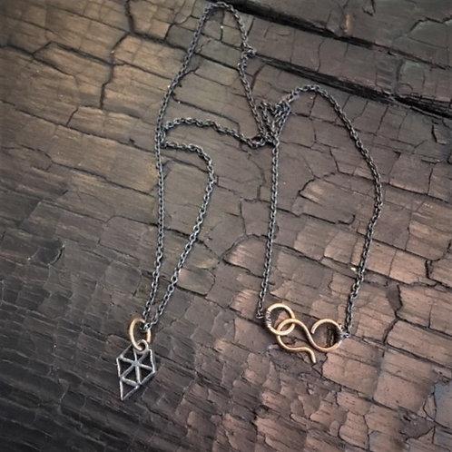 Javelin necklace / Osa Ozdoba