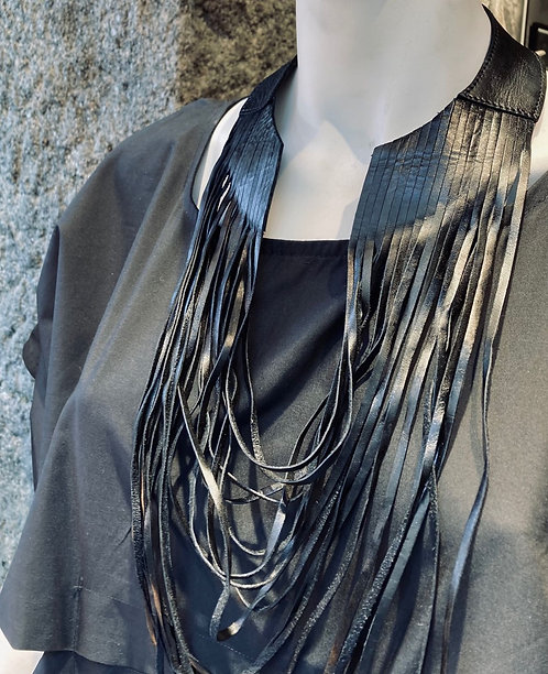 Leather Necklace / Julia Fom