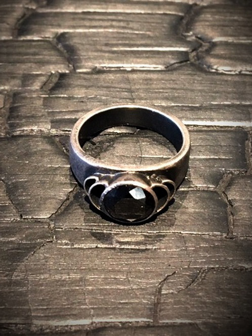 Black Spinel ring / Osa Ozdoba