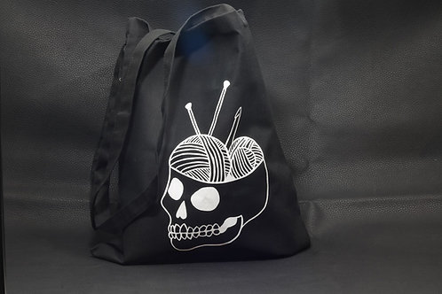 Yarnbrain skull & yarn tote bag / Deadly Daisies
